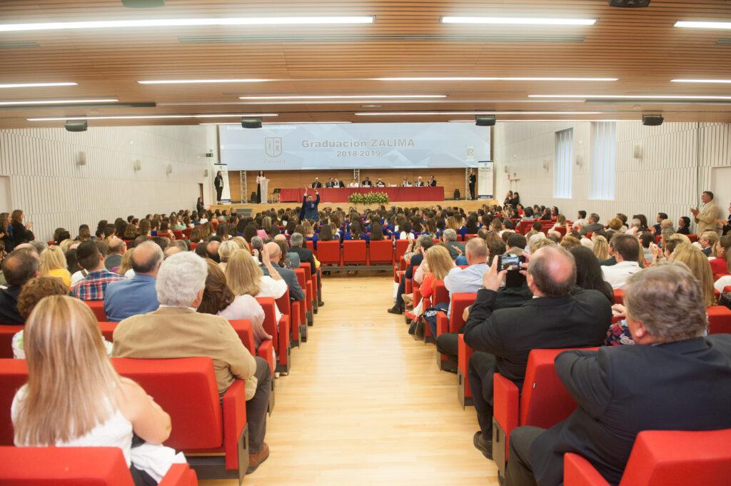 Más de 200 alumnos se gradúan en el Palacio de Congresos