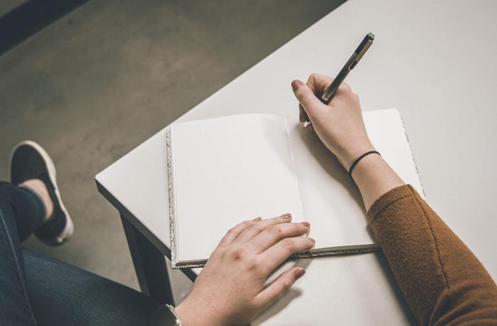La alumna Carlota Humet publica un relato en Excelencia Literaria
