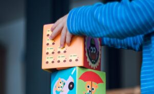Juguetes con material reciclado para hacer con los más pequeños