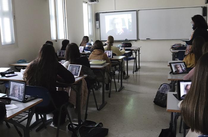 Miguel Aranguren presenta Excelencia Literaria a las alumnas de Bachillerato