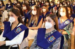 Luisa Alli, dircom de Ikea España, apadrina el acto de graduación de Bachillerato